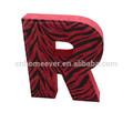 Red zebra grand modèle lettres de l'alphabet