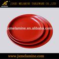 mercadorias da melamina cor vermelho e preto prato redondo