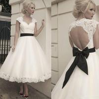 Elegant Cap Sleeve Keyhole Back Lace Sexy Short Tea Length Wedding Dresses with Sleeves