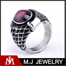 Fashion vintage stainless steel ruby ring