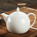 Sứ gốm bình trà trắng