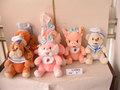 Pulgadas 12/14.5 hermosa promocional personalizado 2- color de peluche de felpa perro pareja/camarero conejo de juguete con uniforme& babero, bowknot