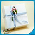 puro branco caixa de presente com flor bonita para decorar