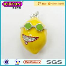 Placcato in oro fascino 3d giallo limone ciondolo grande sorriso #16811 con occhiali da sole