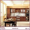 el modelo grande de antigüedades cómoda del dormitorio y el pecho