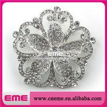 Fashion White Flower Crystal Rhinestone Brooch