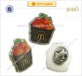 caliente de encargo de venta astilla de metal de epoxy emblemas distintivos con embrague de la mariposa
