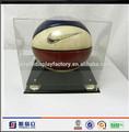 design personalizado acrílico material acrílico futebol boneca caixa de exposição