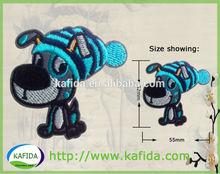 Yüksek kaliteli özel nakış yamalar/giyim yama karikatür köpek tasarım giysiler için, oyuncaklar, çanta ve footwears.