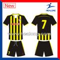 Sublimated desgaste do futebol jérsei de futebol amarelo preto tarja camisas de futebol
