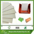 el lote de acciones duplex gris de cartón de papel hojas de venta al por mayor para el envasado