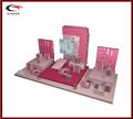 lindo estilo de madera de color rosa exhibición de la joyería conjunto