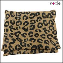 Elegent designs long scarf Comforter set