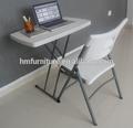 Mini pequeña mesa plegable para uso personal de aprendizaje, navegar por la internet y otros objetos personales