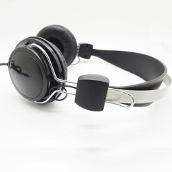 Bulk Earbuds and Headphones Made in China earphones fashion earpieces