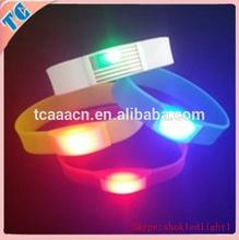 Hot sale fashionable kids gifts led flashing bracelet