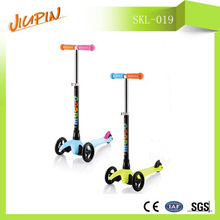 children gifts foot pedal kick scooter with Adjust the height