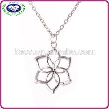 WholesaleThe Hobbit An Unexpected Journey Galadriel Flower Necklace cheap
