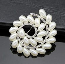Shining clear Simple style crystal fashion Vortex pearl rhinestone brooches wedding Favor decoration