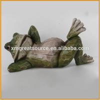 lovely resin frog for garden decorative polyresin frog