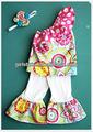Fantaisie bébé fille incliné épaule, imprimer haut correspondant pantalon capri islamique. vêtements en gros