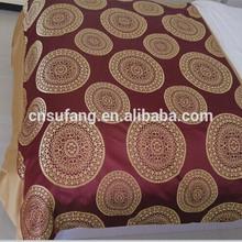 Round patterns hotel bed spread