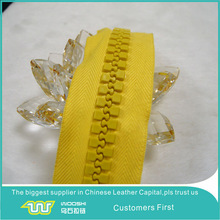 Environmental large plastic zipper for industrial