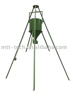 TRI-POD Deer Feeder with hand winch
