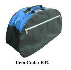 B32 Travelling Bag