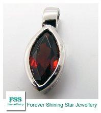 sterling silver jewelry / garnet pendant