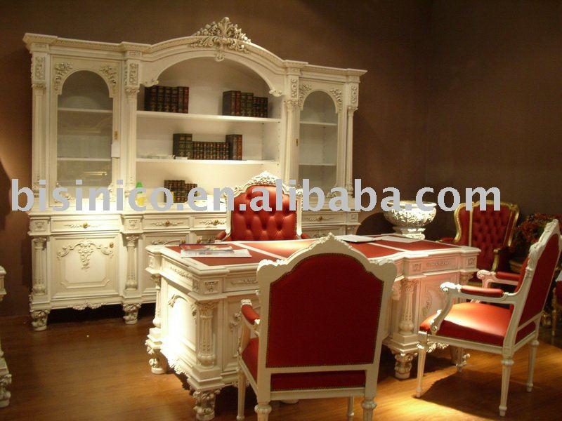 Di lusso in stile europeo scrivania e una sedia, mobili per ufficio ...