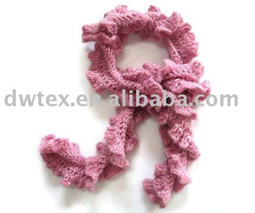 Moda del cuello del ganchillo del de la bufanda para mujeres .