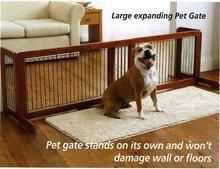 Free-standing pet gates