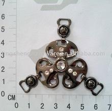 Shoe chain buckle