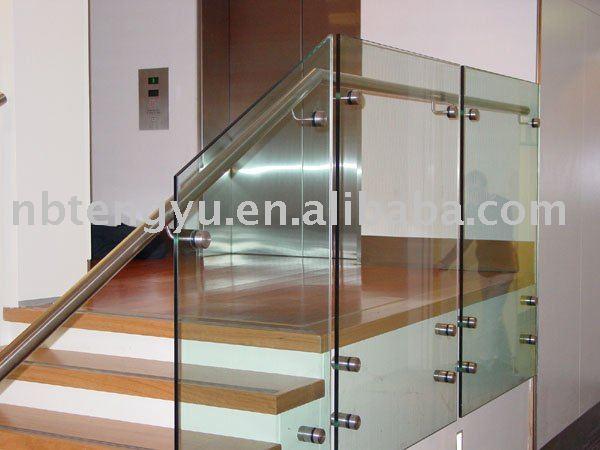 vidrio pasamanos de la escalera