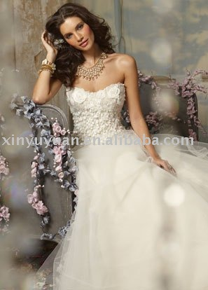 China 2011 delicate workmanship strapless wedding dress JLM025