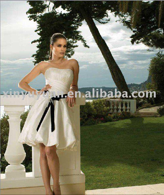 stepmother wedding dress etiquette