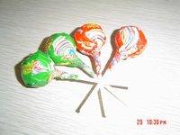 Lollipop with gum inside