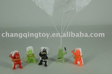 small plastic warrior parachute toys,can be glow in the dark