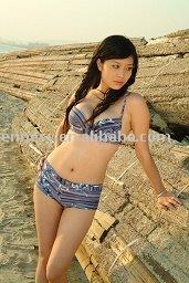 http://i01.i.aliimg.com/photo/v0/403422399/2012_sexy_bikini.jpg