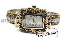 2011 New Style Fashion Watch Quartz Watch Gold Plated Wrist Watch/Bangle Watch 100018