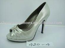 Ladies dress rubber shoes