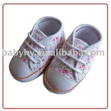 A roupa do bebê sapatos BH GB165