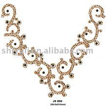 hot fix neckline nailheads+convex metal motif