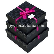 Paper gift box with vanish dots