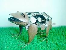 Frog metal garden figurine