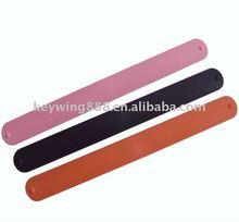 2011 hot sales silicone slap negative iron band