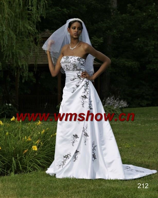 hibiscus wedding gift boxes 2012 Appliqued White Black Lace Wedding Dress