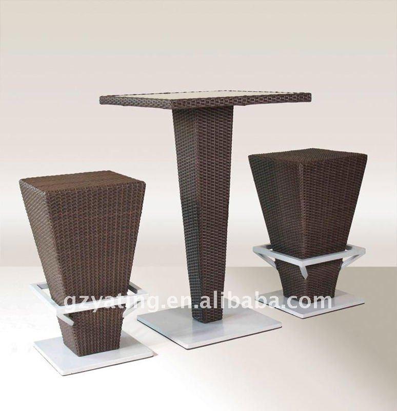Ricerche correlate a Tavoli e sedie in rattan usati