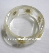 2011eye-catching resin bangles